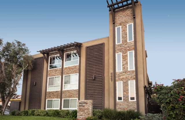 Elan Pacific Lofts - 4467 Dawes Street, San Diego, CA 92109