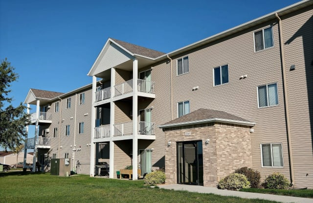 Eagle Run Apartments - 3415 5th St W, West Fargo, ND 58078