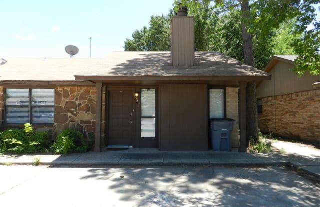 909 Northeast Tortoise Drive, #2 - 909 Northeast Tortoise Drive, Lawton, OK 73507