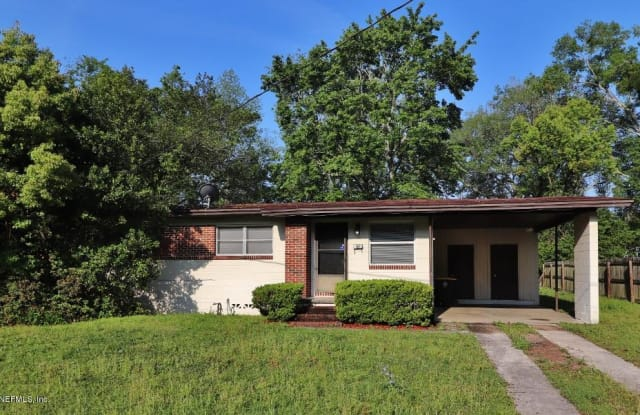 1144 SKYE DR E - 1144 Skye Drive East, Jacksonville, FL 32221