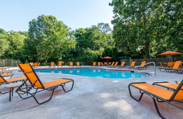 The Retreat at Mill Creek Apartments - 8714 Pflumm Ct, Lenexa, KS 66215