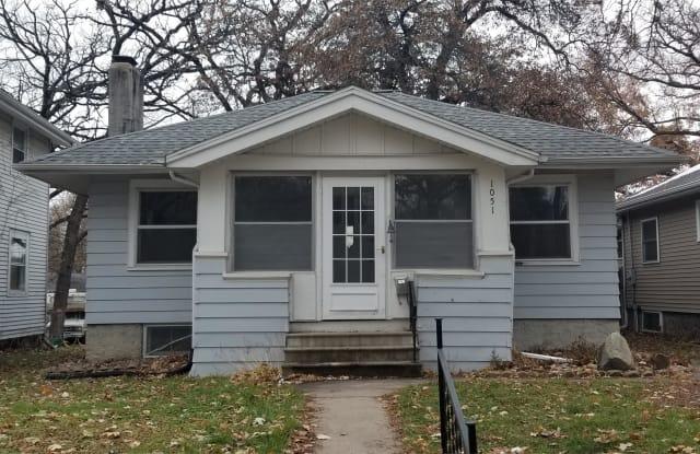 1051 Daniels Street NE - 1051 Daniels Street Northeast, Cedar Rapids, IA 52402