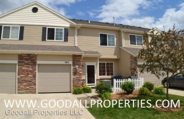 565 Villa Court - 565 Villa Ct, West Des Moines, IA 50266