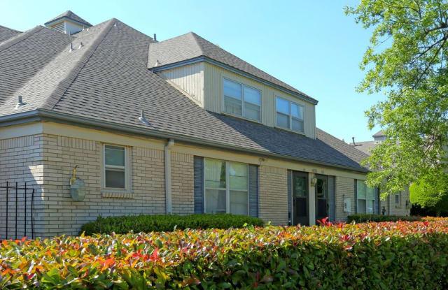 French Villa Apartments - 4746 S Harvard Ave, Tulsa, OK 74135