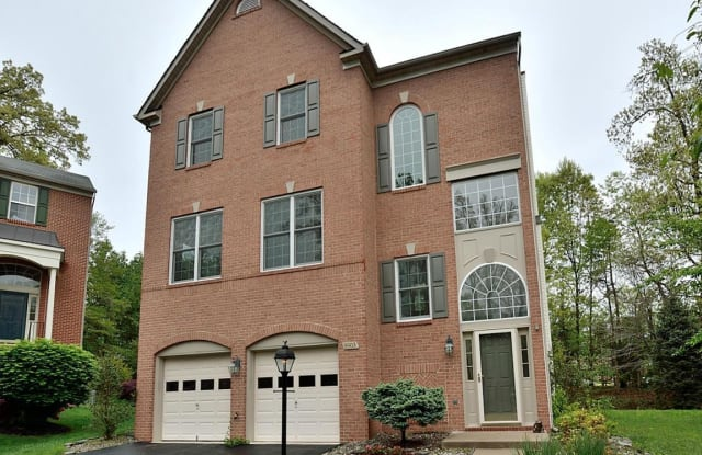 8903 DAY LILLY CT - 8903 Day Lilly Court, Merrifield, VA 22031