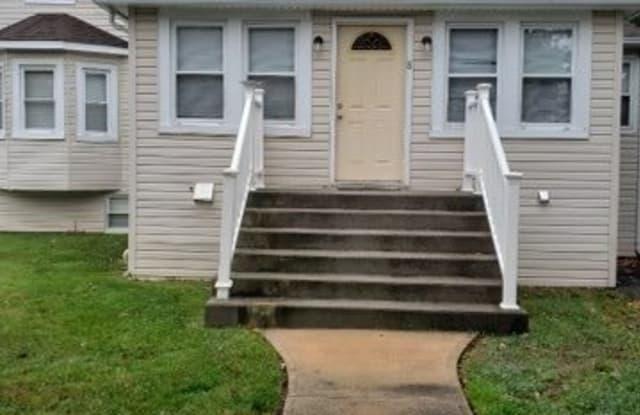 8 Garfield Avenue, #1 - 8 Garfield Avenue, South Farmingdale, NY 11735