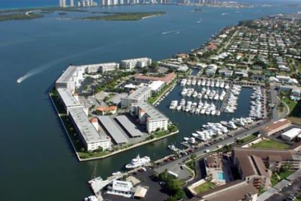 143 Yacht Club Drive - 143 Yacht Club Drive, North Palm Beach, FL 33408
