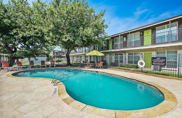 19TWENTY APARTMENTS - 1920 N Ruddell St, Denton, TX 76209