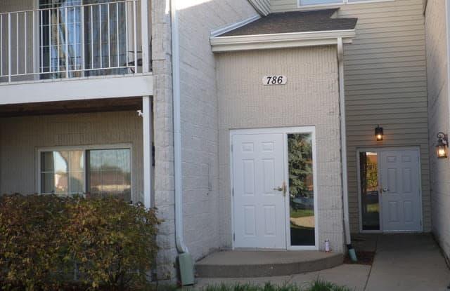 786 North Gary Avenue - 786 North Gary Avenue, Carol Stream, IL 60188