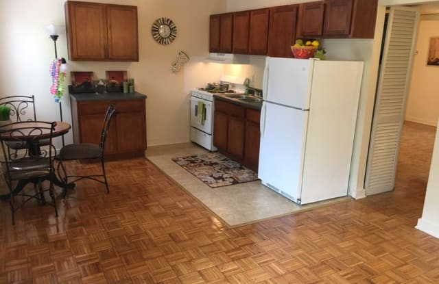 Forest Square Apartments - 3202 Midlothian Turnpike, Richmond, VA 23224