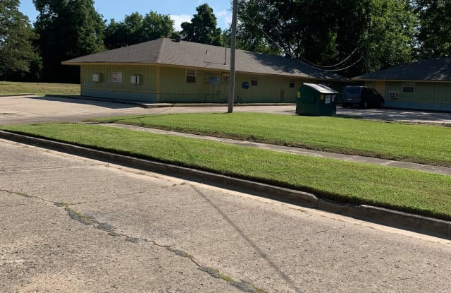 808 W. Barraque St. #B-2 - 808 West Barraque Street, Pine Bluff, AR 71601