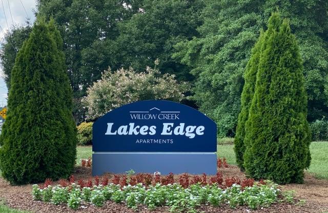 Lake's Edge Apartments - 5646 W Market St, Greensboro, NC 27409