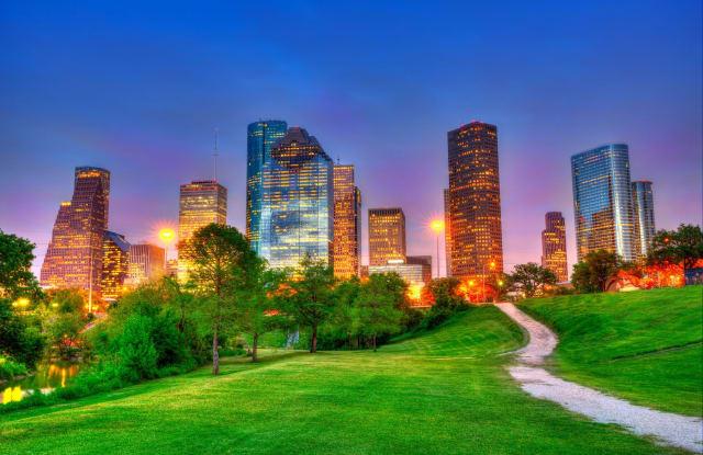 District at Memorial - 10300 Katy Fwy, Houston, TX 77043