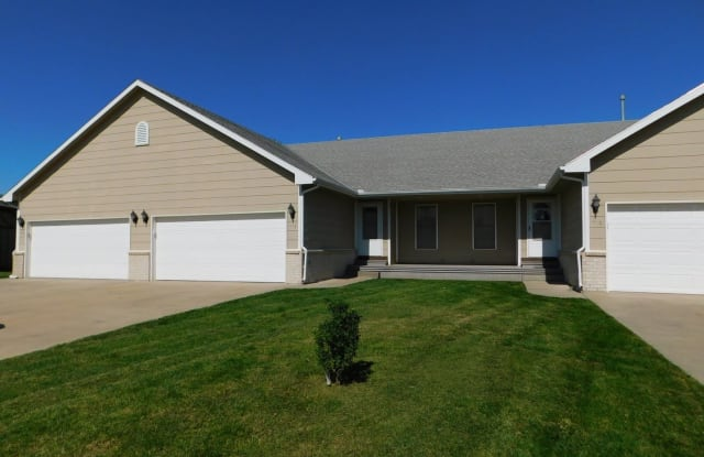 412 W Odell - 412 West Odell Court, Andover, KS 67002