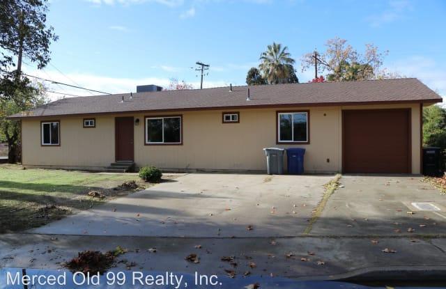 2425 Green St - 2425 Green Street, Merced, CA 95340