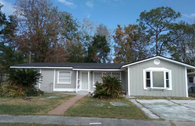 7463 Cenaturi Rd - 7463 Centauri Road, Jacksonville, FL 32210