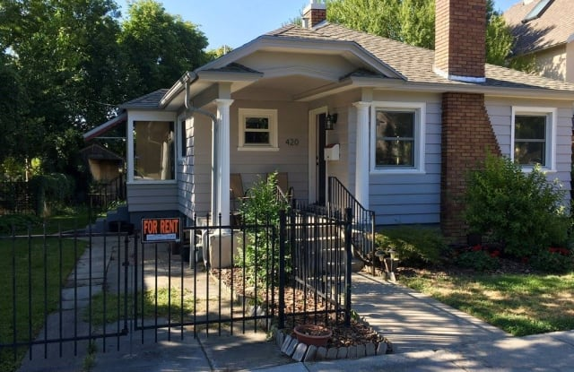 Bright Avenues Home - 420 East 3rd Avenue, Salt Lake City, UT 84103