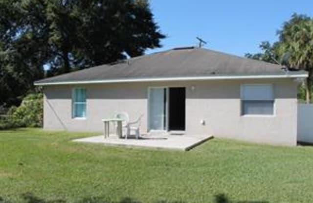 920 Lusk Pl - 920 Lusk Place, Bartow, FL 33830