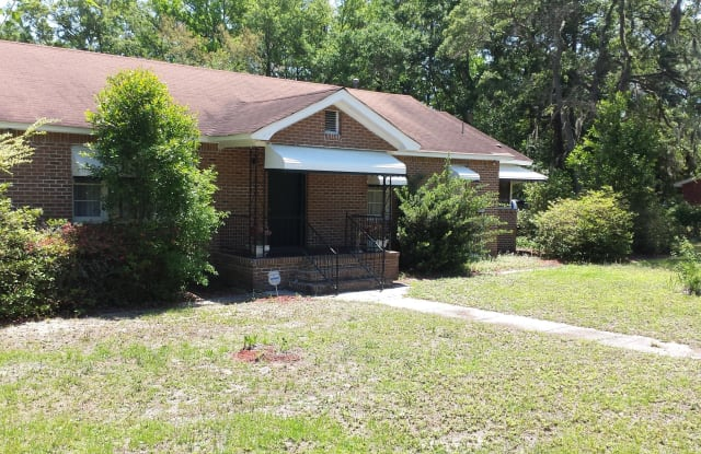 314 Sams Point Road - 314 Sams Point Road, Beaufort County, SC 29907
