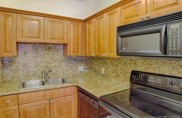 322 Madeira Ave Apt 406 - 322 Madeira Avenue, Coral Gables, FL 33134