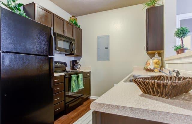 Big Oaks Apartment Homes - 1510 Big Oaks Dr, Lakeland, FL 33810
