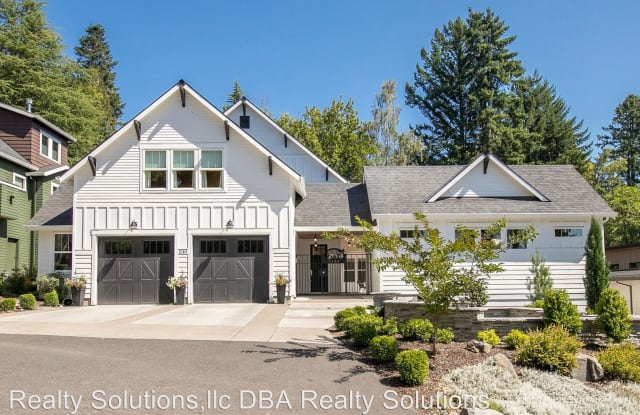 3184 SW 73rd Ave - 3184 Southwest 73rd Avenue, Raleigh Hills, OR 97225