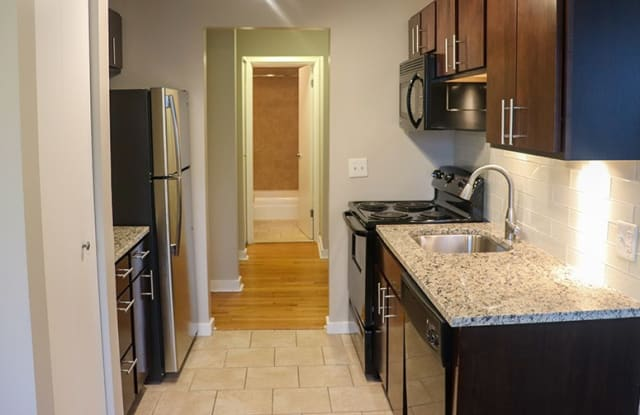 Reside at 2727 - 2727 N Pine Grove Ave, Chicago, IL 60614