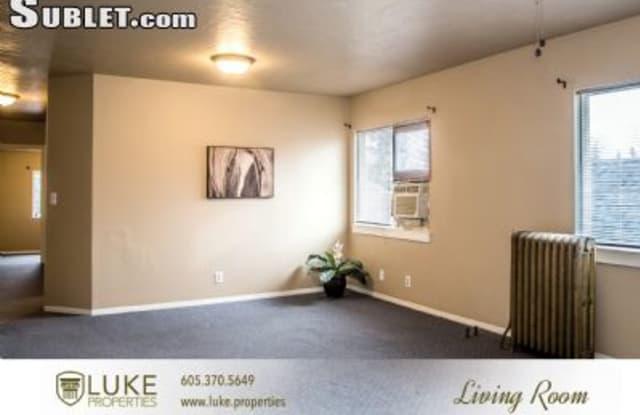 1007 Center Ave - 1007 South Center Avenue, Sioux Falls, SD 57105