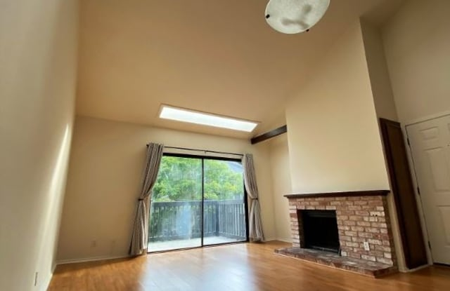 12 Cypress Pl Sausalito Ca Apartments For Rent