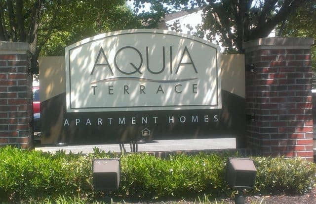 Aquia Terrace Apartments - 190 White Pine Circle, Falmouth, VA 22554