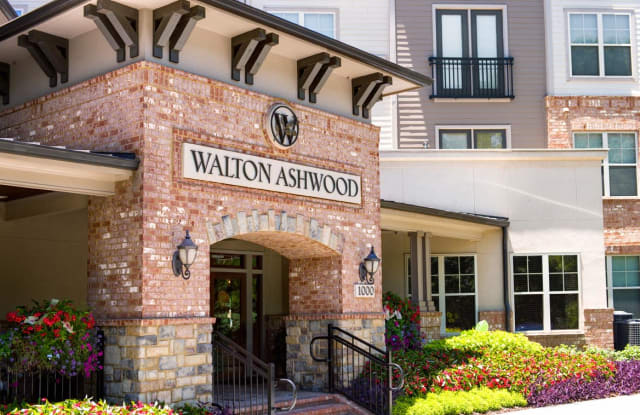 Walton Ashwood - 1000 Ashwood Pkwy, Dunwoody, GA 30338
