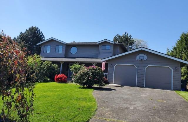 3606 Larchmont Ave NE - 3606 Larchmont Avenue Northeast, Tacoma, WA 98422