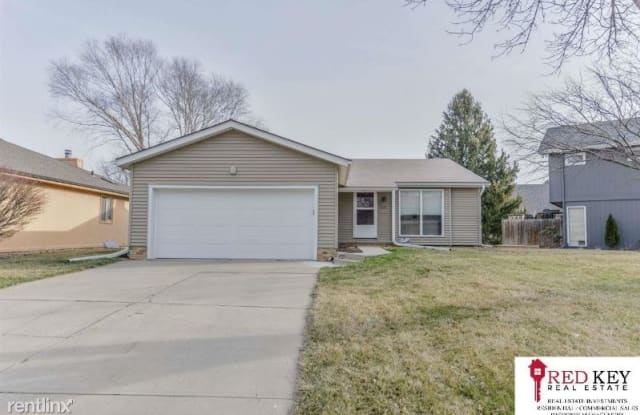 15162 R St - 15162 R Street, Omaha, NE 68137