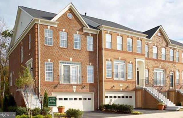22000 AVONWORTH SQ - 22000 Avonworth Square, Broadlands, VA 20148