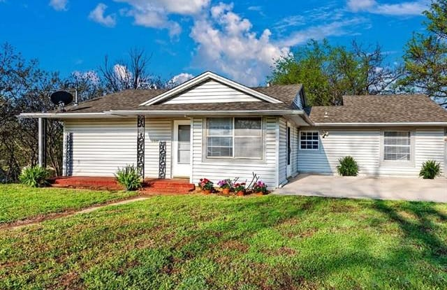 1509 S Tone Avenue - 1509 South Tone Avenue, Denison, TX 75020
