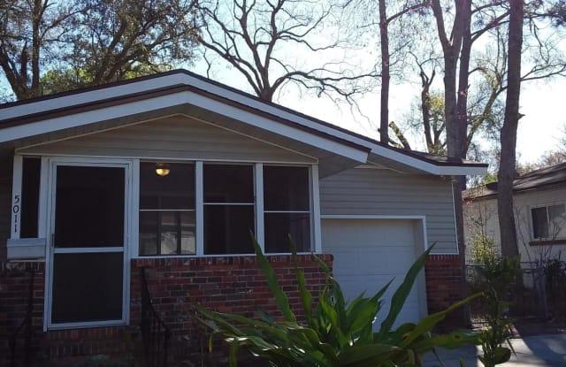 5011 E ROMILLY DR - 5011 Romilly Dr E, Jacksonville, FL 32210