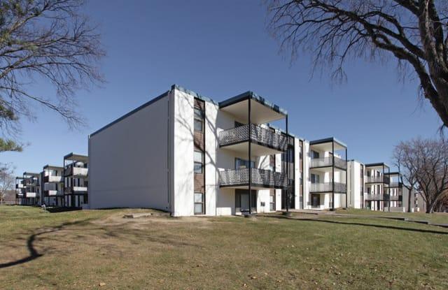 Sedona Hills Apartments - 6410 27th Ave N, Crystal, MN 55427