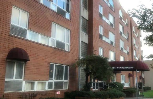 205 Mineola Blvd - 205 Mineola Boulevard, Mineola, NY 11501