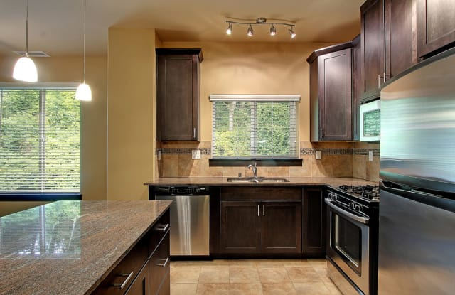 Bentley House - 2700 NW Pine Cone Dr, Issaquah, WA 98027