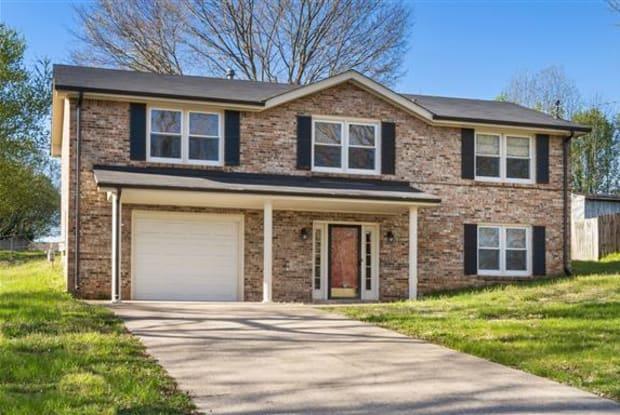 326 Meadowgreen Drive - 326 Meadowgreen Dr, Clarksville, TN 37040