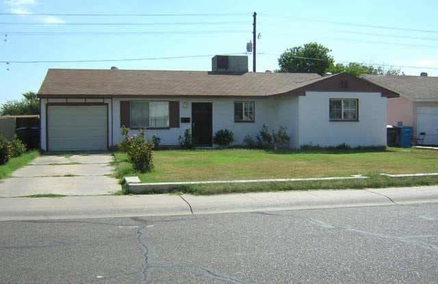 3037 N 79th Dr - 3037 North 79th Drive, Phoenix, AZ 85033