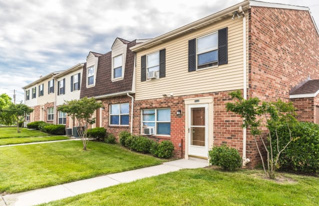 Southwood Townhomes - 600 Reedbird Ave, Baltimore, MD 21225