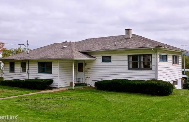 621 W Broad St - 621 West Broad Street, Horseheads, NY 14845