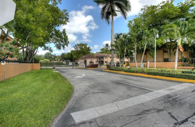 18965 NW 62 AVE - 18965 NW 62nd Ave, Country Club, FL 33015