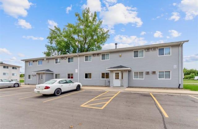 100 66th Avenue Southwest - 3 - 100 66th Avenue Southwest, Cedar Rapids, IA 52404