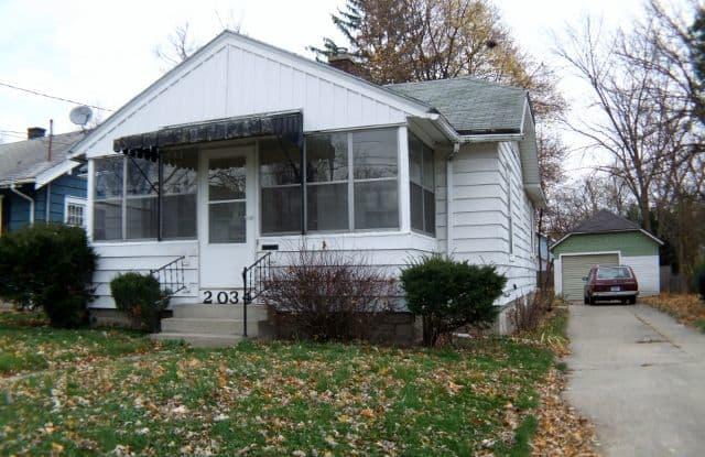 2034 Edgewood Ave NE - 2034 Edgewood Avenue Northeast, Grand Rapids, MI 49505