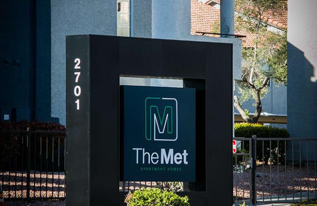 The Met Apartment Homes - 2701 N Rainbow Blvd, Las Vegas, NV 89108