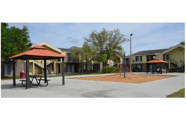 Aventura Orlando Apartments - 5300 Cinderlane Pkwy, Orlando, FL 32808