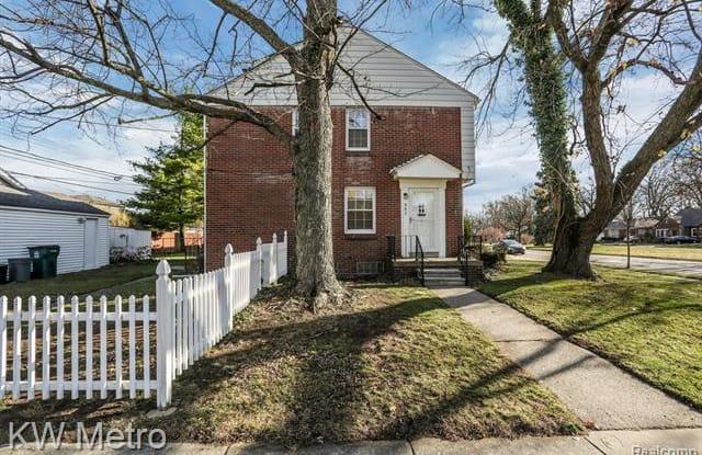 903 E 4th Street - 903 East 4th Street, Royal Oak, MI 48067