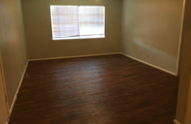 Presidio Flats - 5347 Blanco Rd, San Antonio, TX 78216